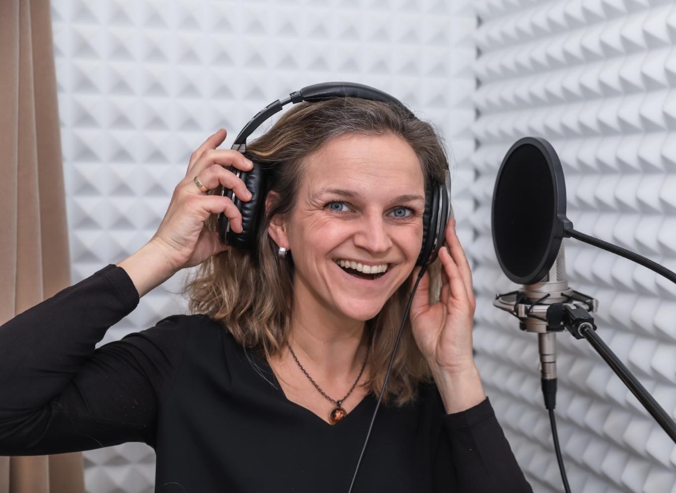 Voice over stemacteur vrouw Nienke van der Haak-Kraiema